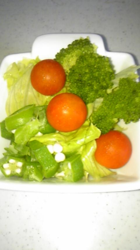 へ〜んし〜ん!!我が家の野菜達